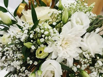 Svadobná kvetinová výzdoba 2